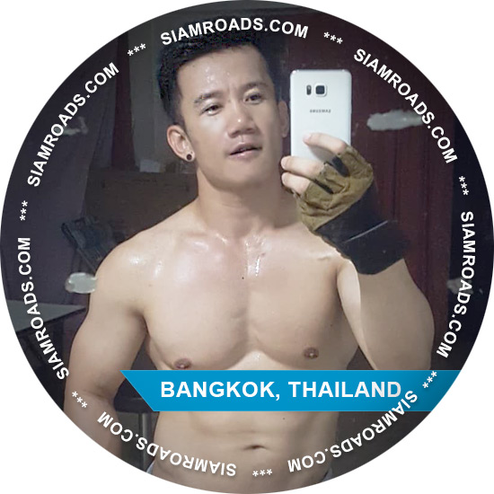 Mac gay companion and professional tour guide in Bangkok